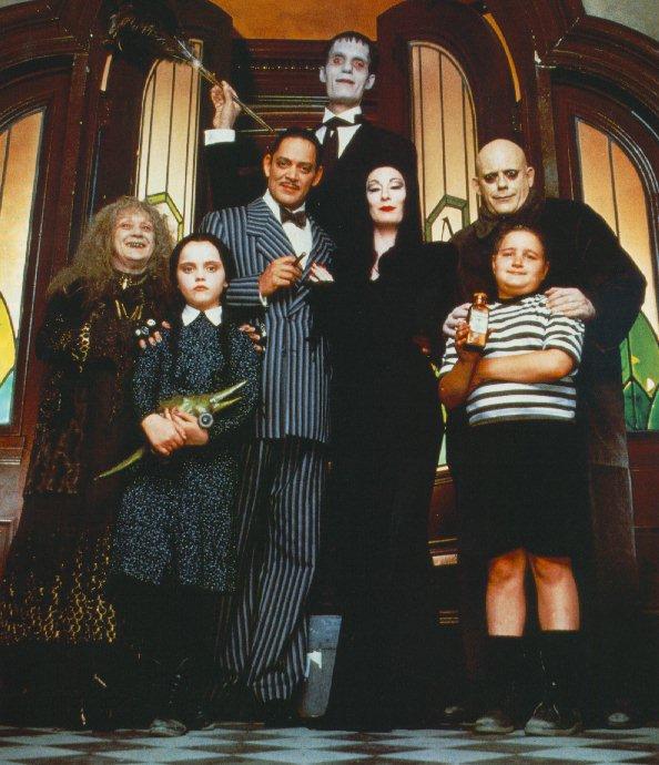 La Famille Addams dans Films fantastiques : La famille Addams TheAddamsFamily-01